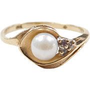 Vintage 10k Cultured Pearl and Diamond Ring
