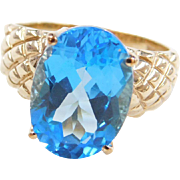 Vintage 10k Gold Blue Topaz Ring