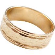 Vintage 14k Gold Etched and Diamond Cut Band Ring