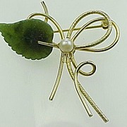 Vintage Gold Filled Brooch with Carved Jade & Cultured Pearl
