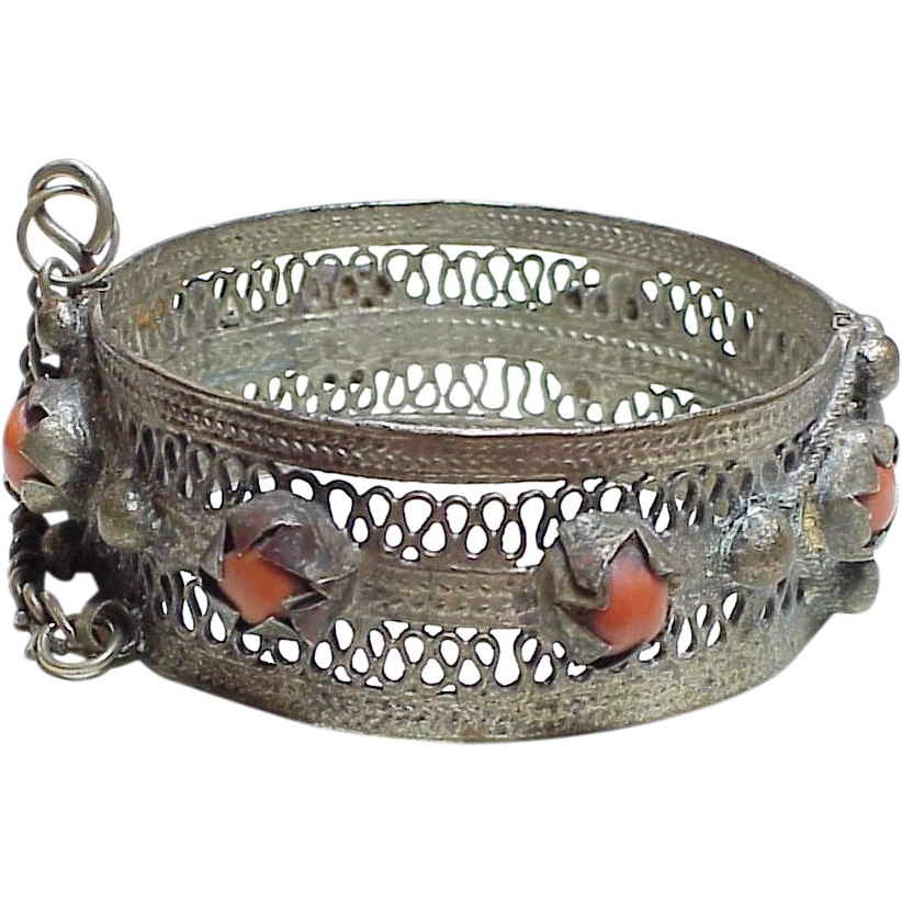 Item ID: KA 800 Silver & Coral Bangle In Shop Backroom