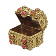 Vintage 18k Gold Treasure Chest Charm Red Coral Accent
