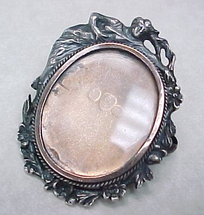 Item ID: KA WL Portrait Frame Brooch In Shop Backroom
