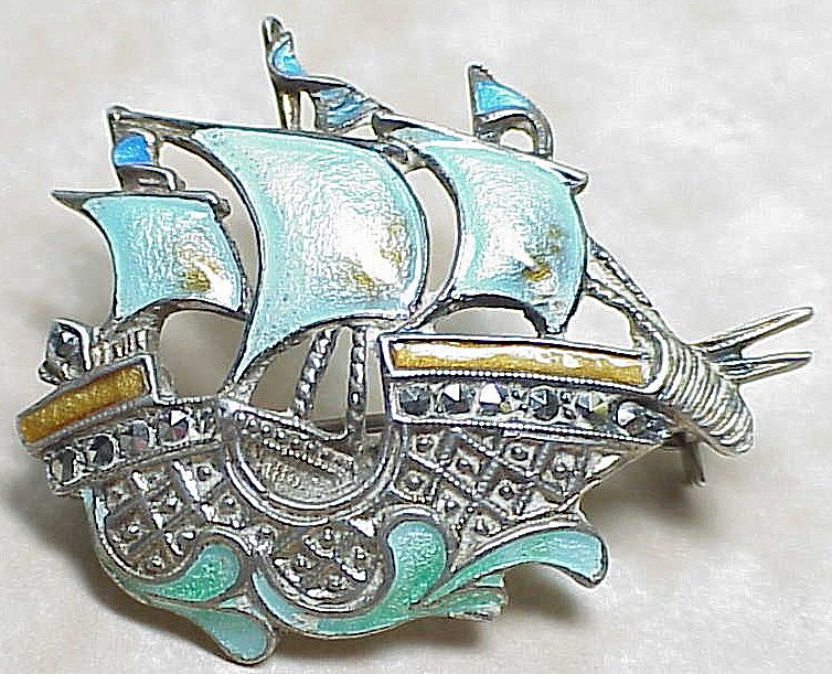 Item ID: LA SS Enamel Caravel Pin In Shop Backroom