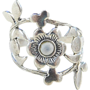 Sterling Silver Mother of Pearl Flower Ring
