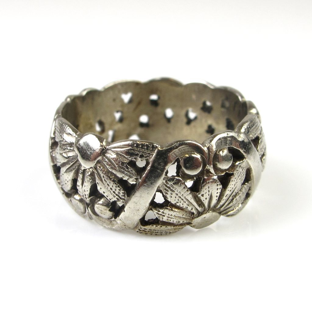 vintage wedding band 14k white gold ornate floral design