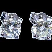 Exceptional 1.05 ctw Round Brilliant Diamond Studs 14 kt White Gold