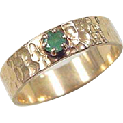 Vintage 14k Gold Hammered Emerald Ring