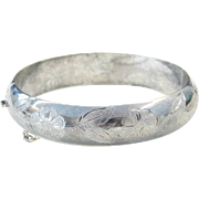 Sterling Silver Etched Flower Hinged Bangle Bracelet ~ 7 1/2""