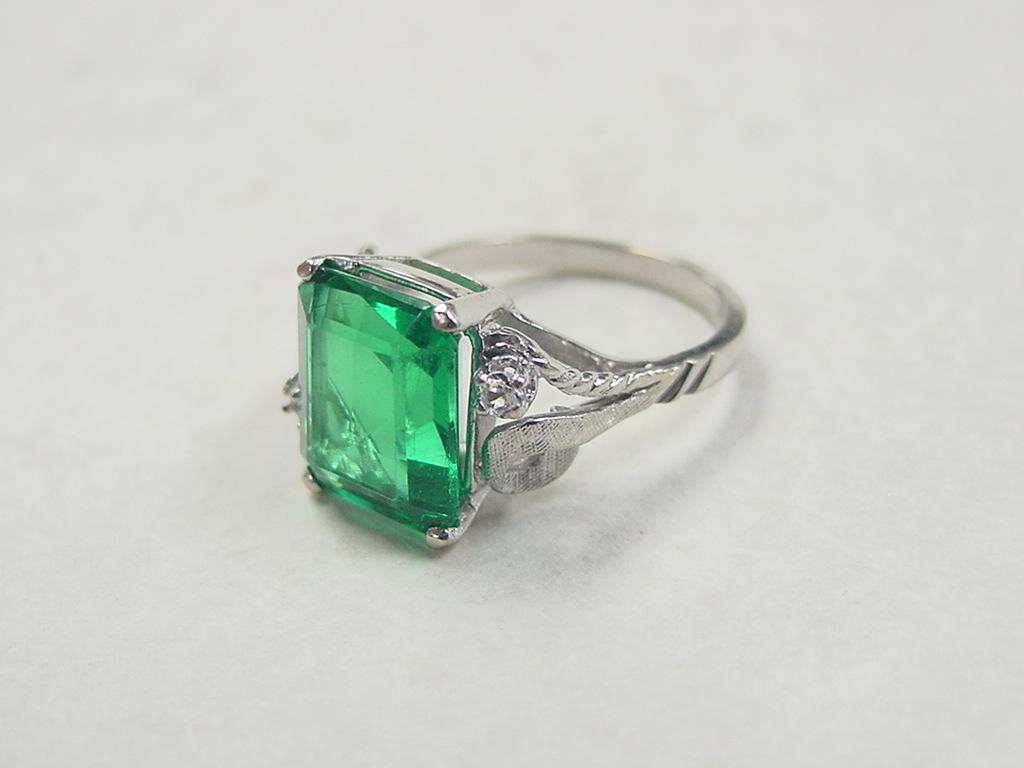 vintage 14k white gold faux emerald and white spinel ring