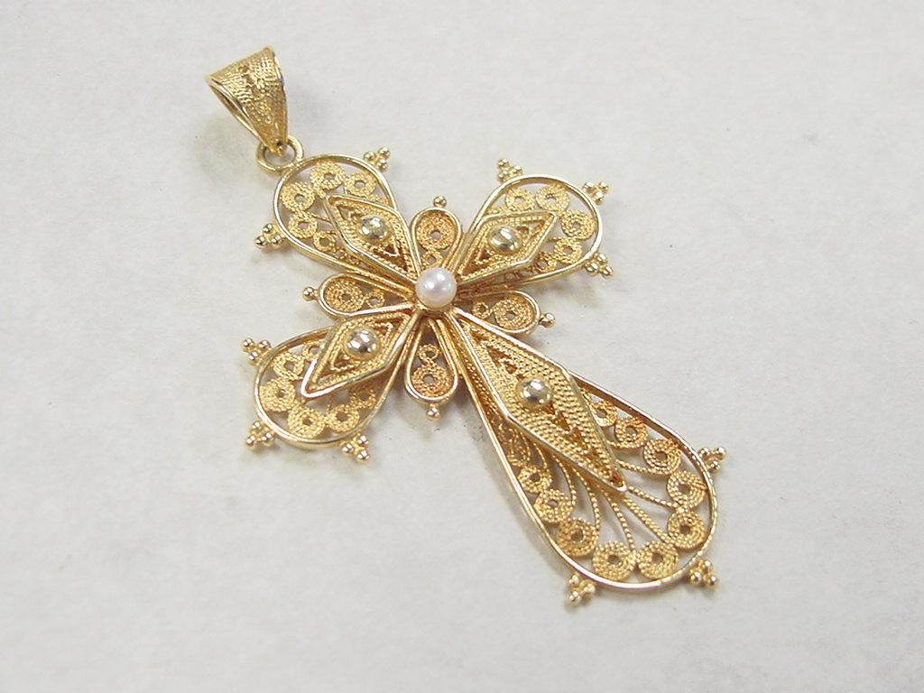 Vintage 18k gold filigree cross pendant with cultured pearl accent roll over large image to magnify click large image to zoom aloadofball Image collections