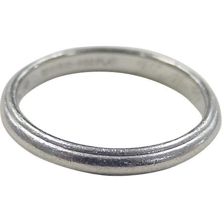 Vintage Mens Wedding Band 42