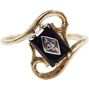 Vintage 10k Gold Swirl Bypass Onyx and Diamond Ring