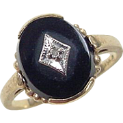 Vintage 14k Gold Onyx and Diamond Ring