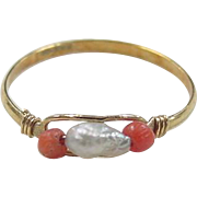 Vintage 18k Gold Freshwater Pearl and Coral Bead Ring