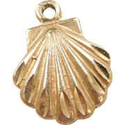 Vintage 14k Gold Shell Charm