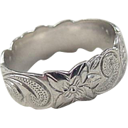 Vintage Sterling Silver Etched Flower Band Ring