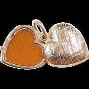 Vintage 14k Gold Etched Heart Locket Pendant ~ Slide Open
