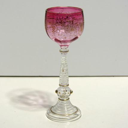 Long stemmed wine glass – cranberry and gold