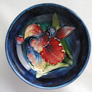 Small Moorcroft bowl – orchid pattern