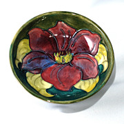 Small Moorcroft bowl –clematis with green background