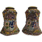 Salt and Pepper Shakers Japanese Moriage Decorate