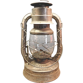 Dietz  Blizzard Lantern With Original Glass No. 2