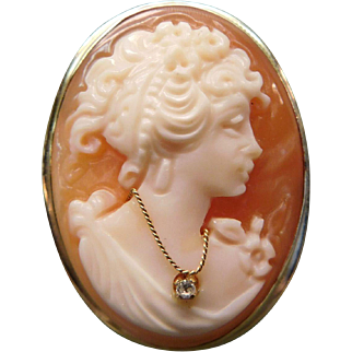 14 K Cameo Brooch Hand Carved shell, With Diamond