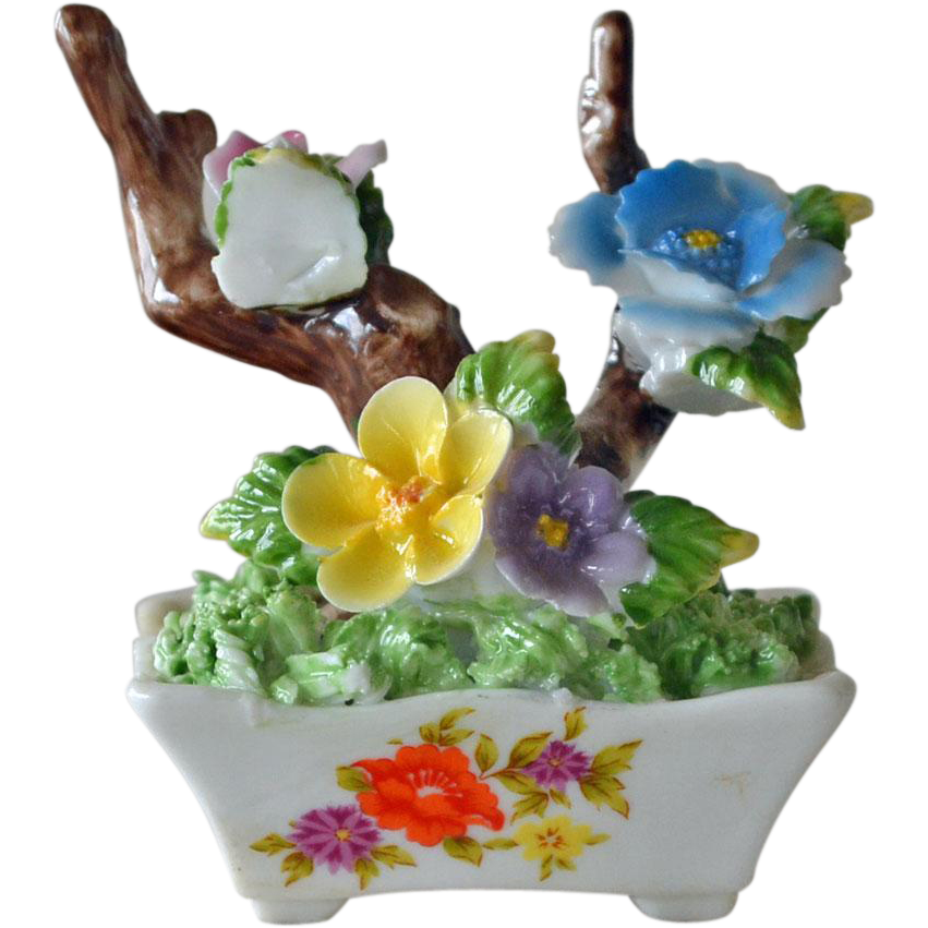 Porcelain Sculpted Flower Bouquet