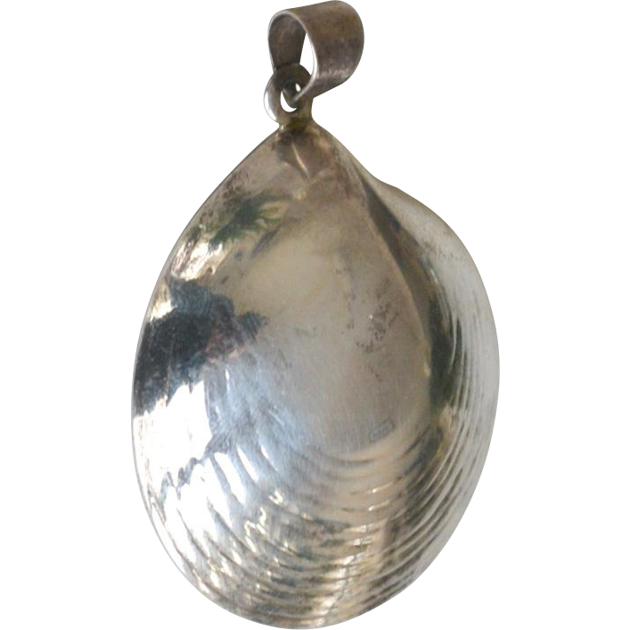 Sterling Silver Clam Shell Pendant Large
