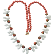 Necklace Vintage Coral and Milk Glass Beads