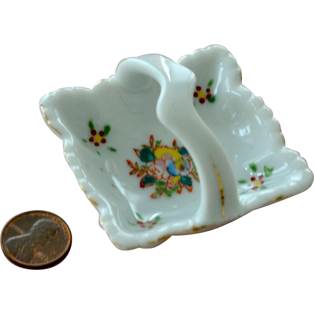 Miniature Basket Porcelain Occupied Japan