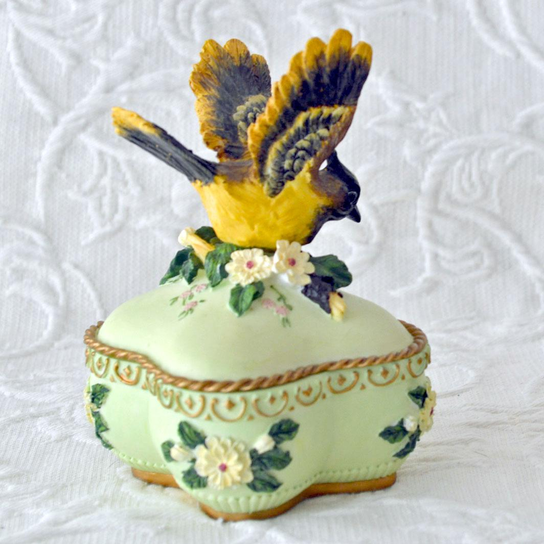 Heritage House Music Trinket Box from artsnends on Ruby Lane