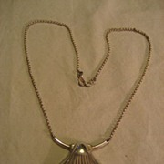 Sterling Silver Shell Vintage Necklace
