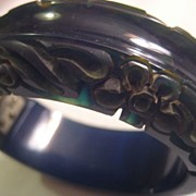Carved Color Changer Bakelite Hinged Vintage Bracelet