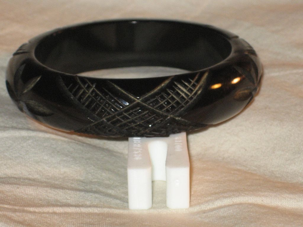 Bakelite Carved Black Intricate Criss-Cross Bangle