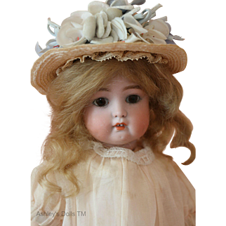 Antique Simon and Halbig 1299 Doll, 15 IN