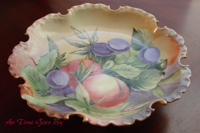 Hand Painted Rosenthal Porcelain Fruit Comport, Plums and Nectarines