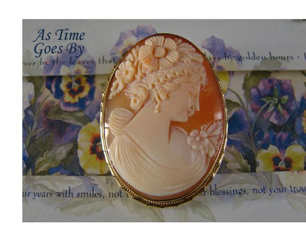 Antique Shell Cameo Brooch or Pendant  in 14K Yellow Gold (tested)