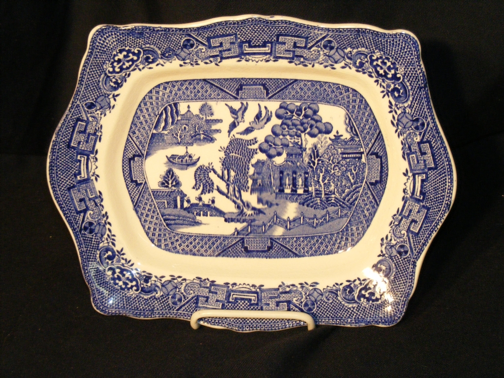 """Blue Willow 11"""" Platter John Steventon English 1923-1936"""