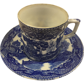Blue Willow Occupied Japan Child's Tankard Cup and Saucer 1945-1952