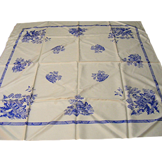 "Blue Willow English Tea Size Tablecloth 36"" x 36"""