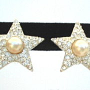 Elegant Vintage STAR Earrings Rhinestones & Faux Pearl Rhodium