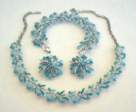 Exquisite Vintage Set 3-pieces Sky Blue Glass Beads & Silver Rhodium