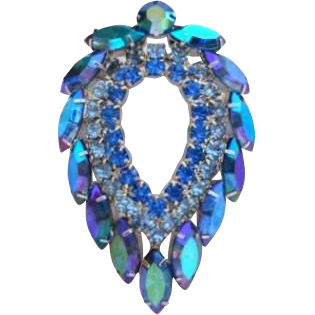 VINTAGE Sarah Coventry Amazing Blue Lagoon Rhinestone Brooch Purples Blues