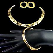 Stunning Vintage Monet Gold Tone Parure Necklace Bangle Bracelet & Earrings