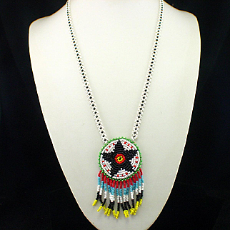 Vintage 1960s Native American Tourist Bead Necklace