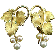 Beautiful Signed Krementz Gold Filled Cultured Pearls Screw Back Earrings