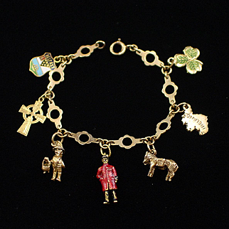 Retro Fabulous 9ct 375 Charm Bracelet with Six Charms