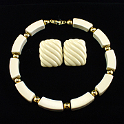 Vintage Napier Bold Cream & Gold Tone Necklace & Earrings